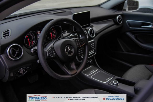MERCEDES-BENZ CLA 180 d S.W. Automatic Business Immagine 3