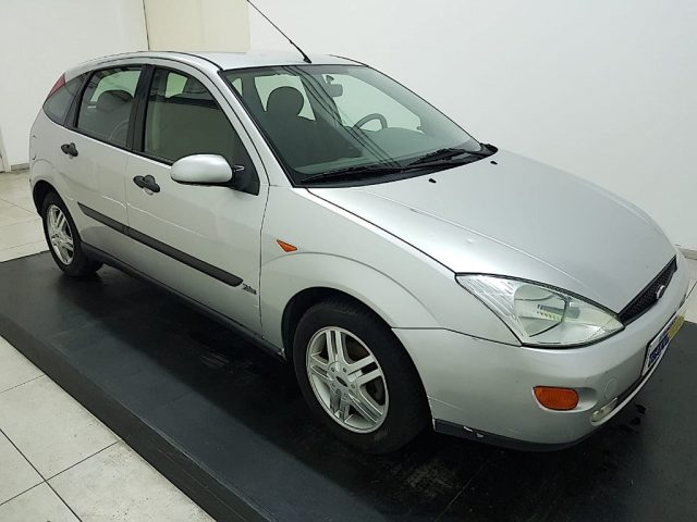 FORD Focus 1.6i 16V cat 5p. Zetec Immagine 3