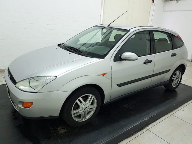 FORD Focus 1.6i 16V cat 5p. Zetec Immagine 0