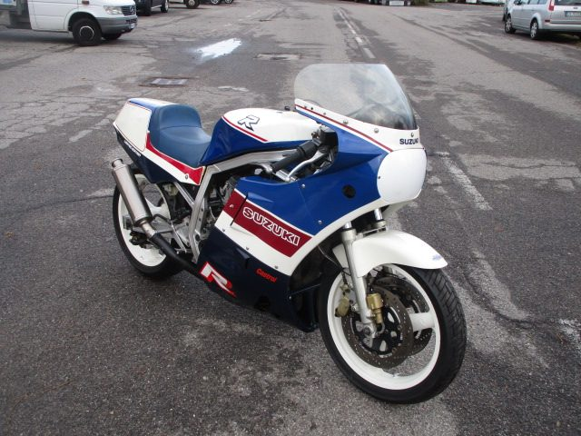 SUZUKI GSX R 750 (1985 - 93) LIMITED EDITION 1986 Immagine 0
