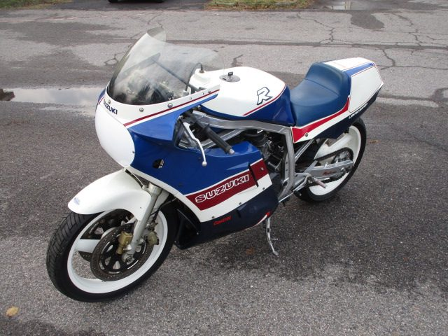 SUZUKI GSX R 750 (1985 - 93) LIMITED EDITION 1986 Immagine 2