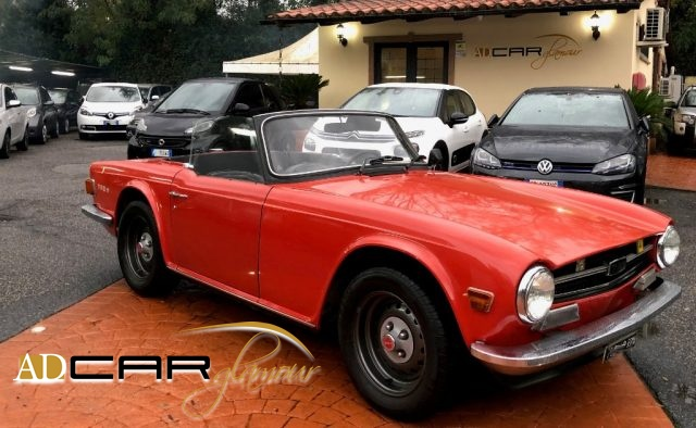 TRIUMPH TR6 Orange pastello