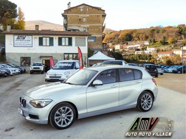 """BMW 118 d 5p. ATM-FULL LED-CERCHIMSPORT17""""-GARANZIA MAPFRE Immagine 0"""