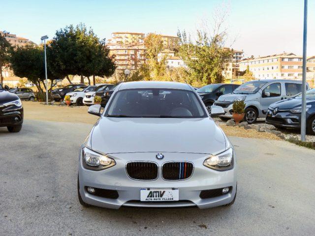 """BMW 118 d 5p. ATM-FULL LED-CERCHIMSPORT17""""-GARANZIA MAPFRE Immagine 1"""