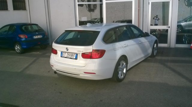 BMW 318 d Touring Immagine 2