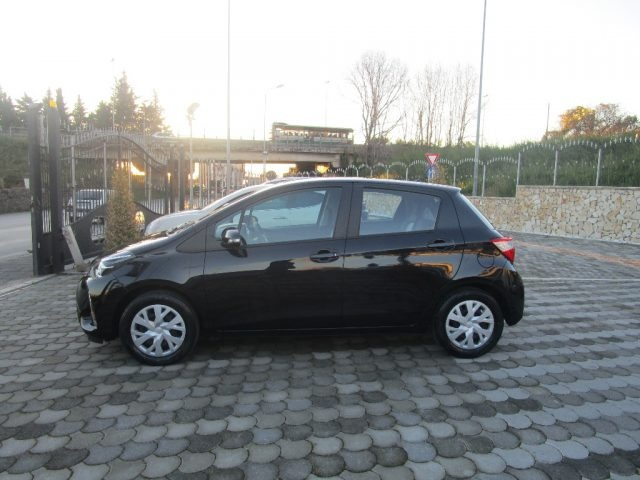 TOYOTA Yaris 1.0 5 porte Business Immagine 3