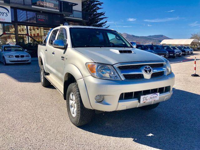 TOYOTA Hilux 3.0 D-4D aut.4WD 4p. Double Cab SR 198000 km