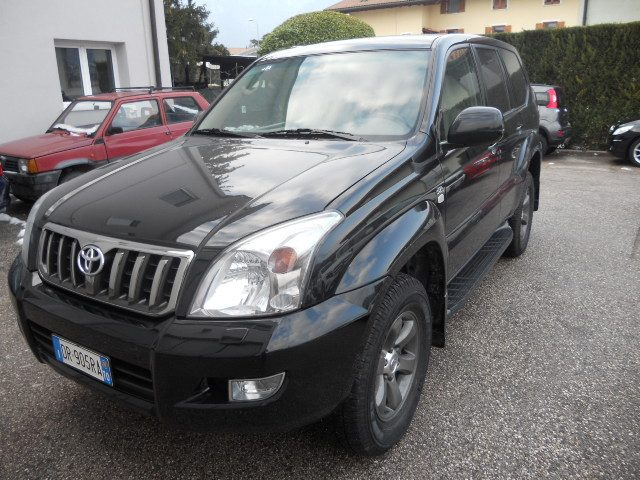 TOYOTA Land Cruiser Nero metallizzato