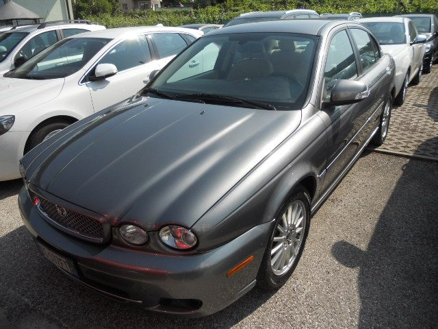 JAGUAR X-Type 2.2D cat aut. Luxury DPF Immagine 0