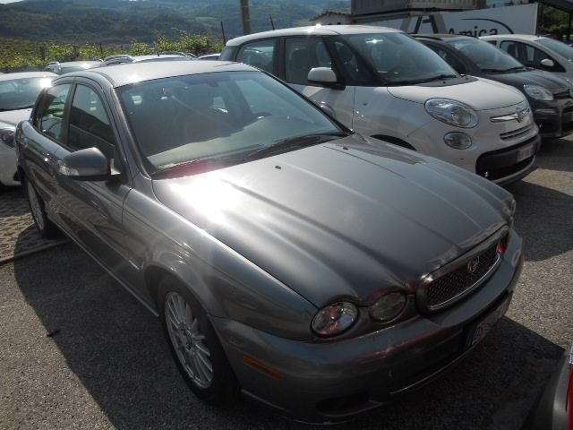 JAGUAR X-Type 2.2D cat aut. Luxury DPF Immagine 1