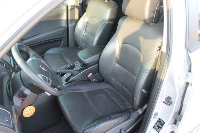 SSANGYONG Korando 2.0 e-XDi 175 CV AWD AT Classy Navi Immagine 4