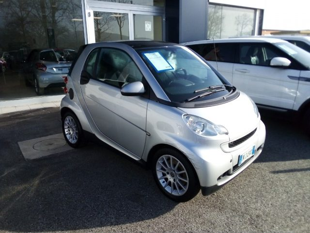 SMART ForTwo 1000 62 kW coupé passion Immagine 1