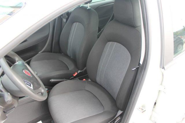 FIAT Punto 1.3 MJT II 75 CV 5 porte Street Immagine 4