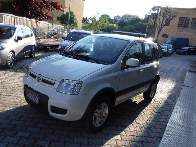 FIAT Panda 1.3 MJT 16V DPF 4x4 Climbing Immagine 0