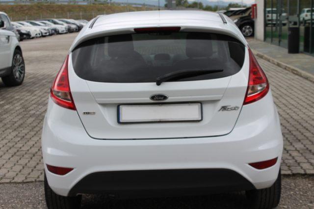 FORD Fiesta 1.4 TDCi 68CV 3 porte Van Immagine 4