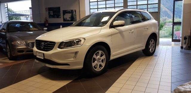 VOLVO XC60 White metallized