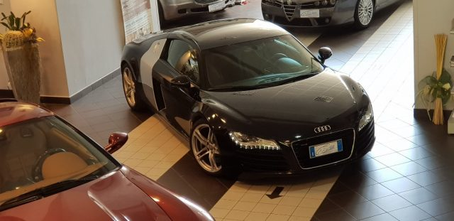 AUDI R8 Black metallized