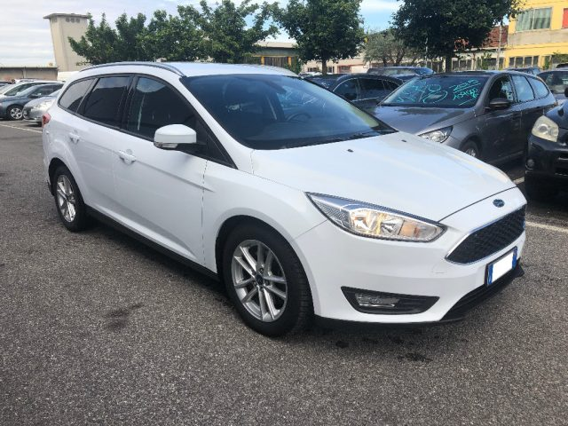 FORD Focus 2.0 TDCi 150 CV Powershift SW Business Immagine 2