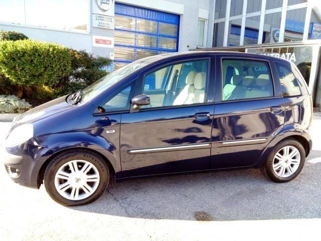 LANCIA MUSA 1.4 16V Platino CAMBIO AUTOMATICO Immagine 1