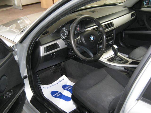 BMW 320 d cat Futura CAMBIO AUTOMATICO Immagine 4