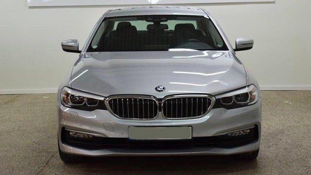 BMW 520 D XDrive Business 48V MILDHYBRID + gancio tra Immagine 0