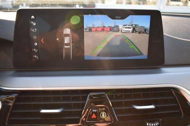 BMW 520 D XDrive Business 48V MILDHYBRID + gancio tra Immagine 1