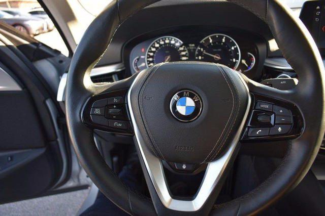 BMW 520 D XDrive Business 48V MILDHYBRID + gancio tra Immagine 2