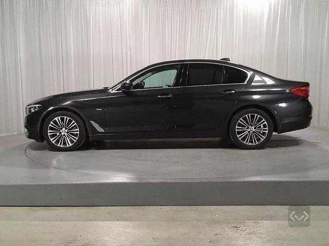 BMW 520 D XDrive Sport 48V MILDHYBRID + gancio tra Immagine 0