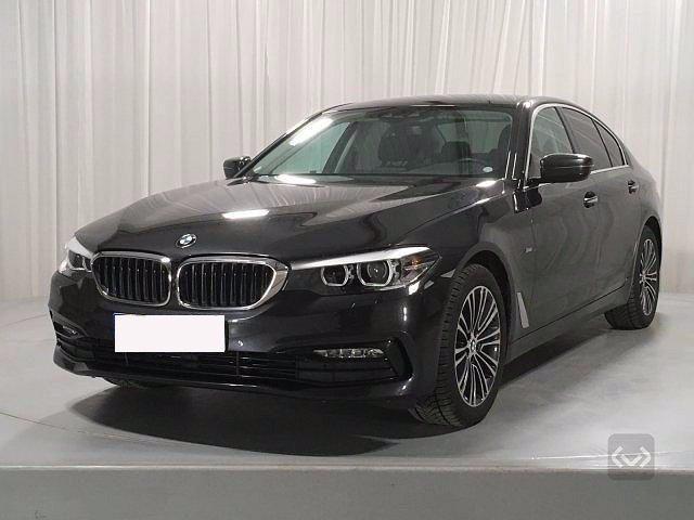 BMW 520 D XDrive Sport 48V MILDHYBRID + gancio tra Immagine 1