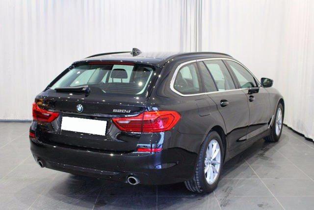 BMW 520 D XDrive Touring Sport gancio traino + telecam Immagine 1