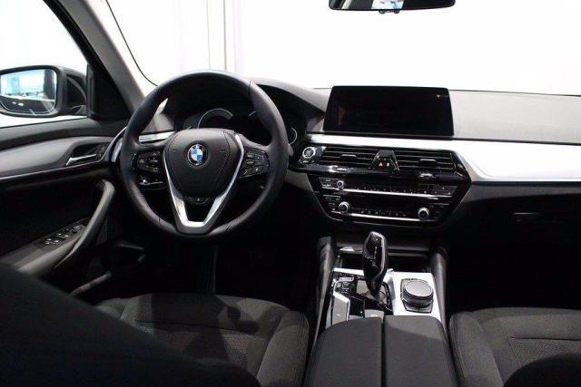 BMW 520 D XDrive Touring Sport gancio traino + telecam Immagine 3