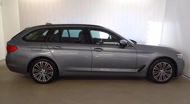BMW 520 d Touring Sportline gancio traino + telecamera Immagine 2