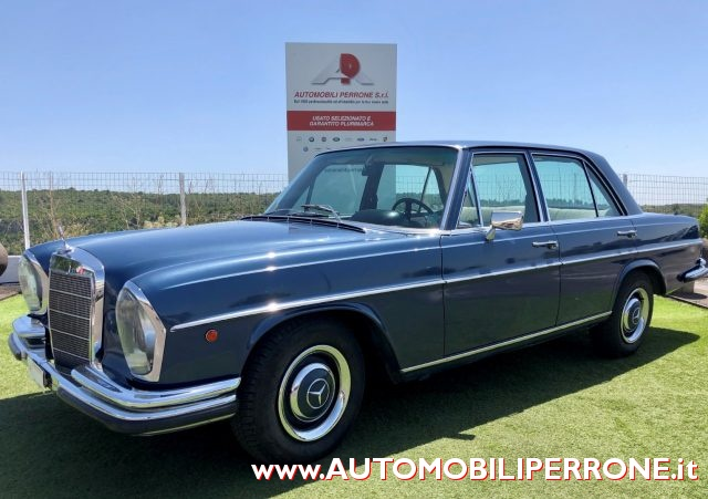 MERCEDES-BENZ 250 Blu metallizzato