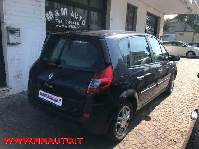 RENAULT Scenic 1.5 dCi/105CV SS Dynamique Immagine 4