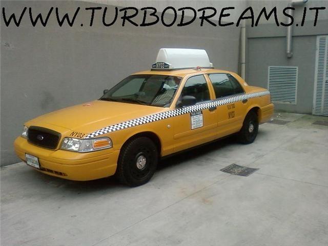 FORD Crown Victoria NEW YORK CITY TAXI YELLOW CAB 4.7 V8 AUTO Immagine 2