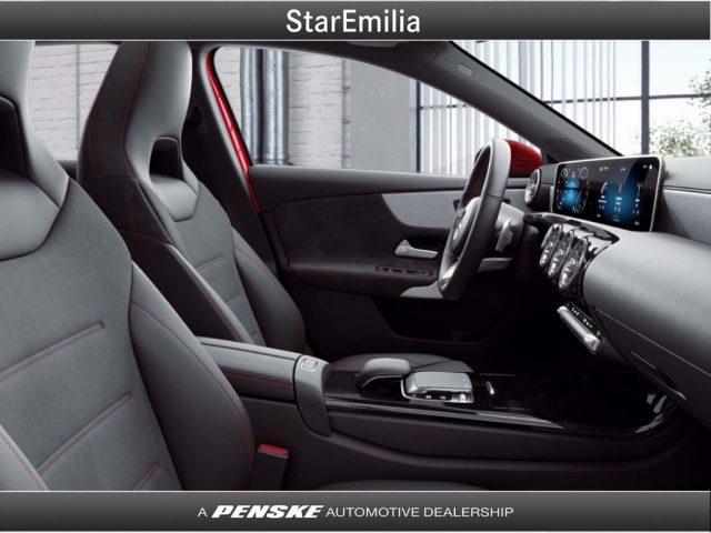 MERCEDES-BENZ A 200 d Automatic Premium Immagine 3