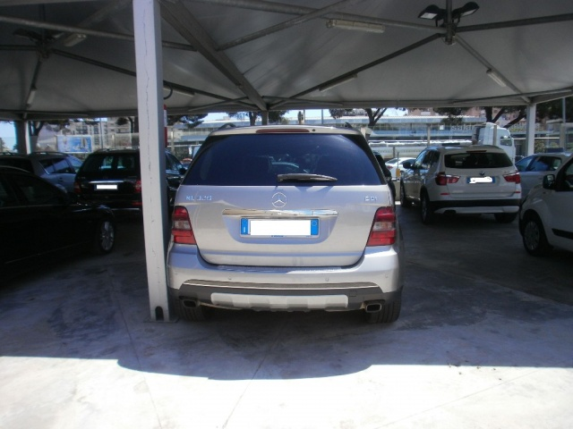 MERCEDES-BENZ ML 320 Oro metallizzato
