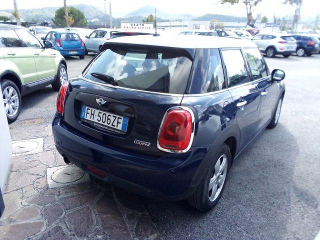 MINI Mini 1.5 Cooper 5 porte Clubman Immagine 2