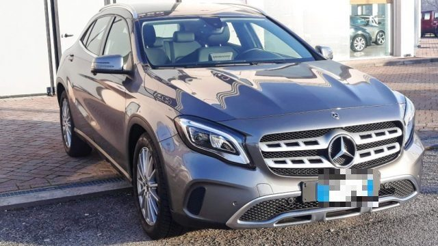 MERCEDES-BENZ GLA 180 Sport automatica navy led pack Immagine 4