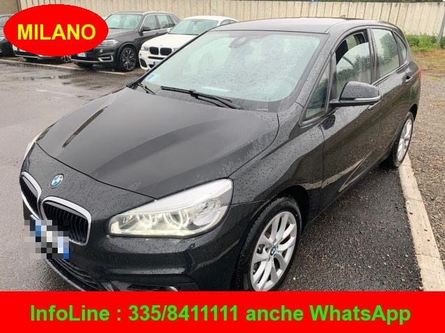 BMW 218 Absolute Black  pastello