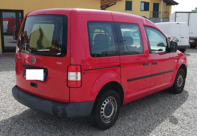 VOLKSWAGEN Caddy autocarro 5 posti Immagine 3