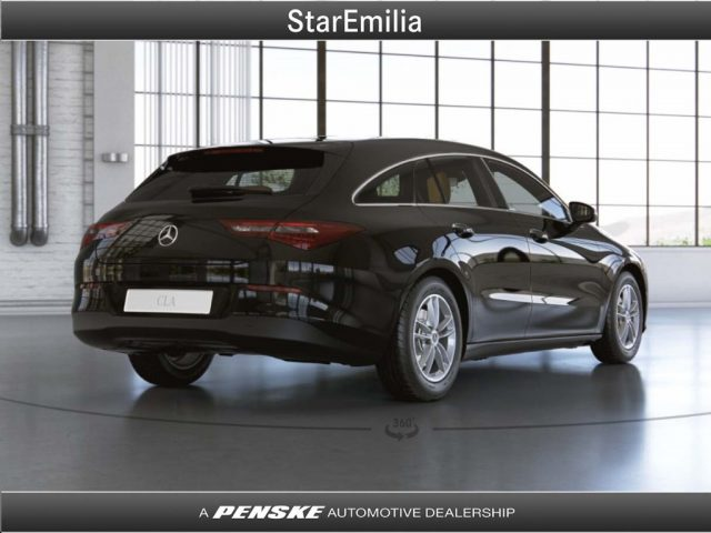 MERCEDES-BENZ CLA 180 d Automatic Shooting Brake Business Immagine 1