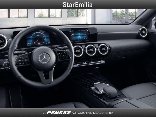 MERCEDES-BENZ CLA 180 d Automatic Shooting Brake Business Immagine 2