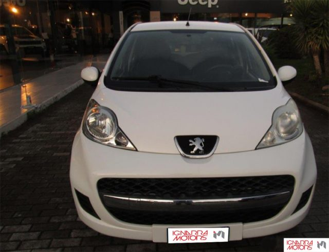 PEUGEOT 107 1.0 12V 5PActive 2Tronic Extrasconto Black Friday Immagine 0