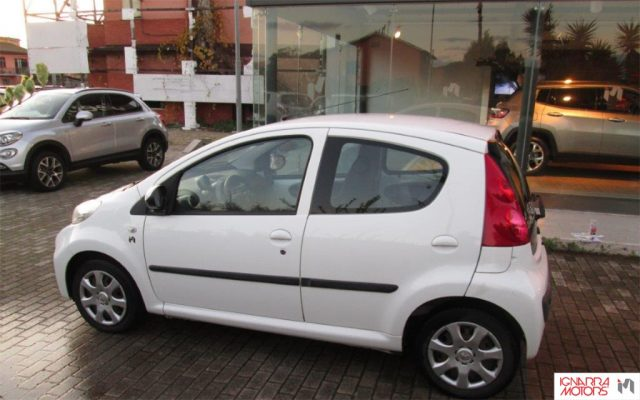 PEUGEOT 107 1.0 12V 5PActive 2Tronic Extrasconto Black Friday Immagine 2