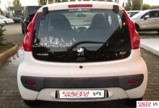 PEUGEOT 107 1.0 12V 5PActive 2Tronic Extrasconto Black Friday Immagine 3