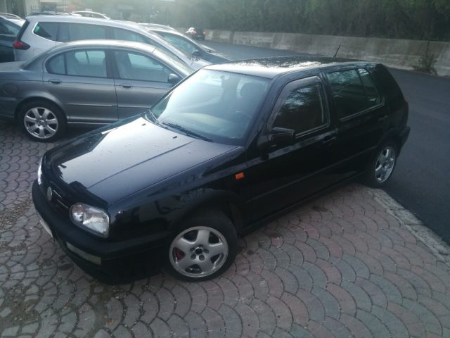 VOLKSWAGEN Golf Nero pastello