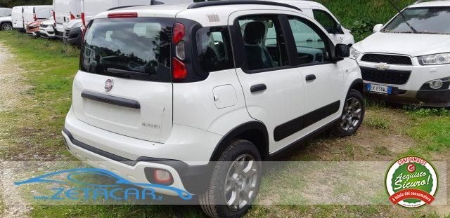 FIAT Panda 1.0 FireFly S&S HYBRID City Cross  * NUOVE * Immagine 3