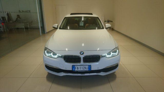BMW 318 d Touring Luxury Immagine 1