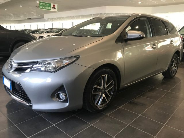 TOYOTA Auris Touring Sports Argento pastello